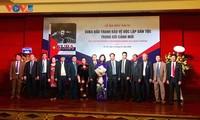 Presentación en Hanói libro de autora vietnamita sobre lucha de Cuba por la independencia nacional