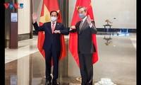 推动越南与中国关系继续健康和稳定发展
