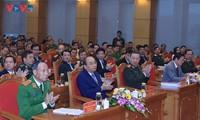 Premierminister Nguyen Xuan Phuc fordert verstärkten Aufbau der Polizei auf