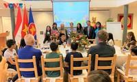 Đại sứ quán Việt Nam tại Hà Lan khai giảng lớp tiếng Việt năm học 2021
