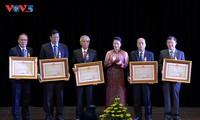 Trao tặng Huân chương của Chủ tịch nước Việt Nam cho các cá nhân của nước bạn Lào