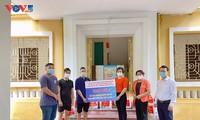 Hà Nội thăm hỏi và tặng quà hỗ trợ cho 154 lưu học sinh Campuchia gặp khó khăn vì Covid-19