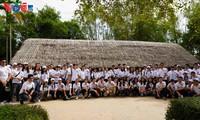 ความรักของชาวเวียดนามที่อาศัยในต่างประเทศรุ่นใหม่ต่อประธานโฮจิมินห์