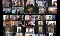 Вьетнамцы за рубежом встречают новый 2021 год по лунному календарю