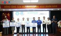 Hội Thầy thuốc trẻ Việt Nam Nam trao hơn 4 tỉ đồng trang thiết bị cho phòng chống COVID – 19