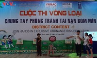 Campañas mediáticas sobre la prevención de accidentes causados por bombas y minas en Binh Dinh