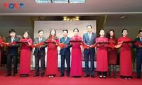 Exposition: «Les 90 ans glorieux du Parti communiste vietnamien»