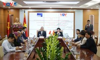 Signature d'une convention de coopération entre VOV et RRI