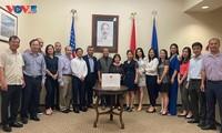 Tổng Lãnh sự quán Việt Nam tại Texas phát động ủng hộ Quỹ vắc xin phòng chống Covid 19