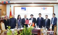 วีโอวีลงนามข้อตกลงความร่วมมือใหม่กับสถานีวิทยุแห่งชาติอินโดนีเซีย