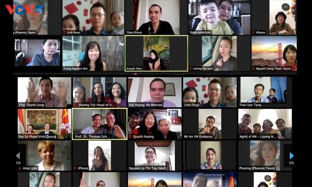Vietnamitas en el extranjero celebran la fiesta del Año Nuevo Lunar