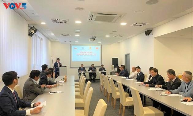 Vietnam y la República Checa por fortalecer la cooperación en comercio e inversión