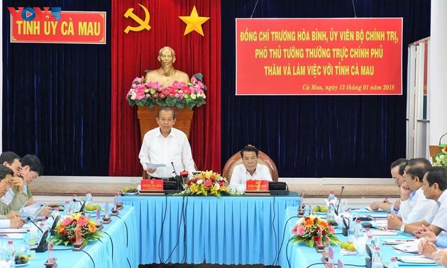 Deputi Harian PM Vietnam, Truong Hoa Binh melakukan temu kerja dengan pimpinan Provinsi Ca Mau