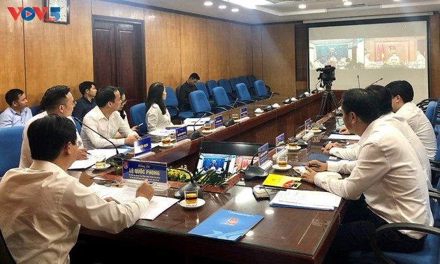 Điện đàm trao đổi chương trình hợp tác của tổ chức Đoàn thanh niên hai nước Việt- Lào