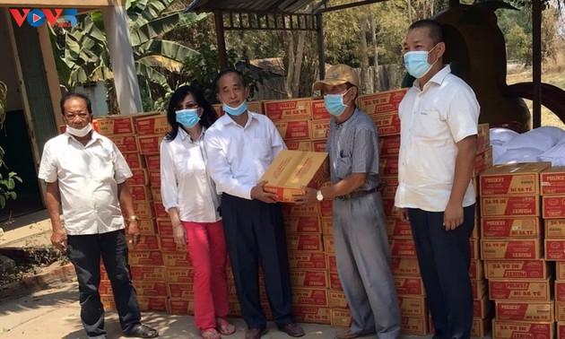 Nỗ lực hỗ trợ cộng đồng người gốc Việt tại Campuchia đang thực hiện cách ly phòng dịch COVID-19