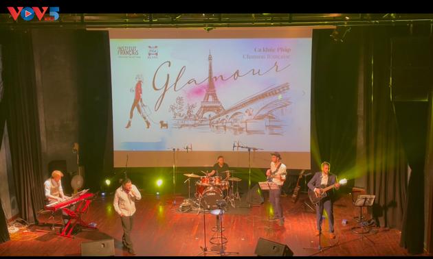 Glamour, un voyage incontournable dans les chansons françaises