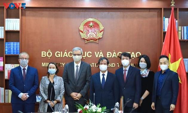 Renforcer la coopération éducative entre le Vietnam et les partenaires internationaux
