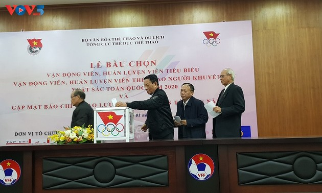 Vietnam names 2020's best athlete and coach