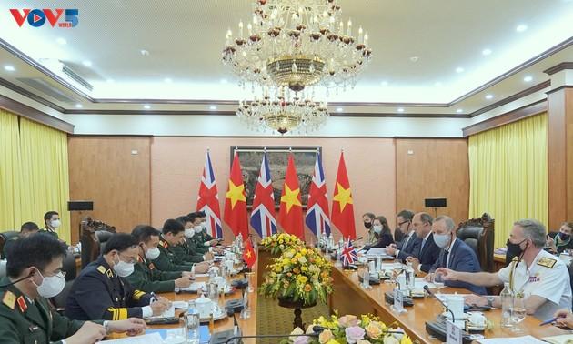 Vietnam, UK step up defense cooperation