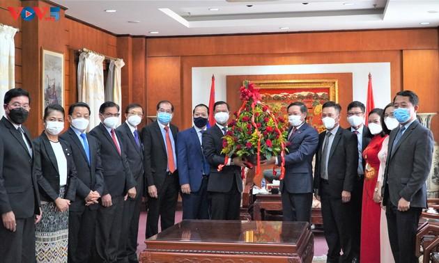 Lãnh đạo các Bộ, ban, ngành của Lào chúc mừng 76 năm Quốc khánh Việt Nam