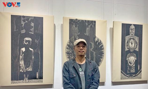 Nguyễn Khắc Hân với triển lãm 10 năm đi cùng tranh khắc gỗ