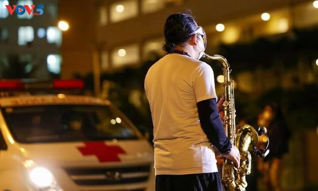 Âm nhạc hàn gắn vết thương tâm hồn thời đại dịch