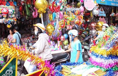 La fête de mi-automne bat son plein à Hanoi - ảnh 10
