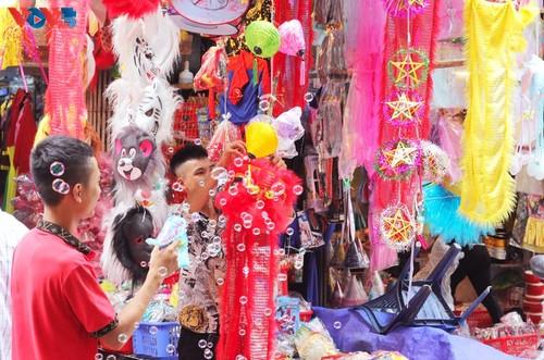 La fête de mi-automne bat son plein à Hanoi - ảnh 11