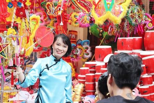 La fête de mi-automne bat son plein à Hanoi - ảnh 12
