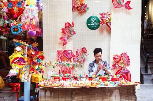 La fête de mi-automne bat son plein à Hanoi - ảnh 13