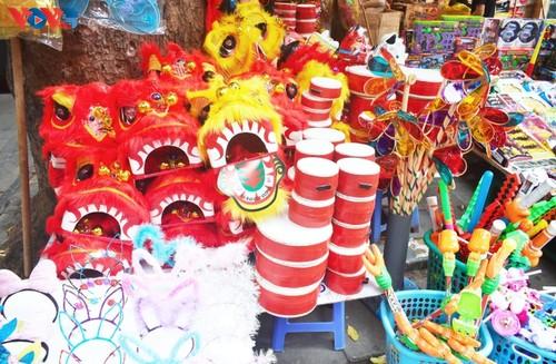 La fête de mi-automne bat son plein à Hanoi - ảnh 6