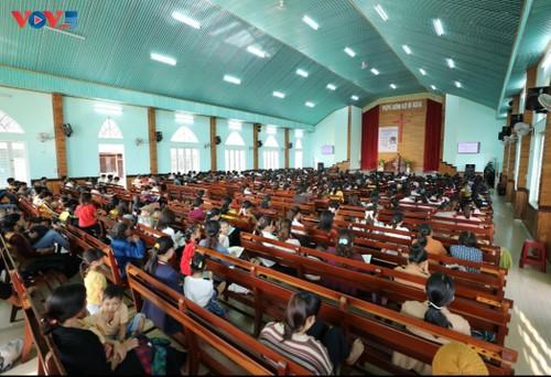 Protestanten des Dorfes Plei Mo Nu führen ein bedeutendes Leben - ảnh 1