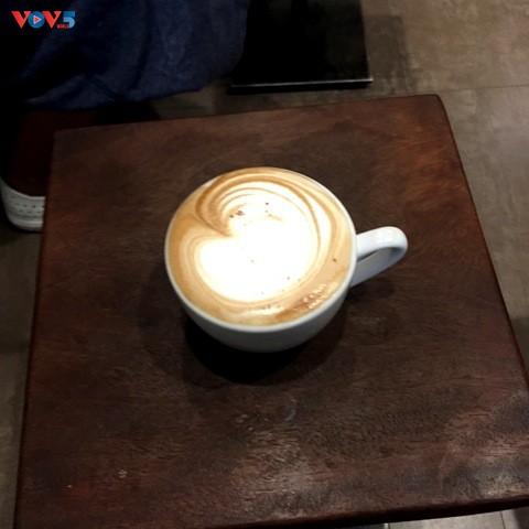 Una cafetería extraordinaria de Hanói   - ảnh 2