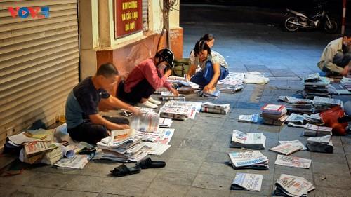 «Le journal papier a toujours sa place» - ảnh 2