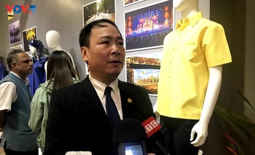 Triển lãm trang phục truyền thống các nước ASEAN 2020 - ảnh 2