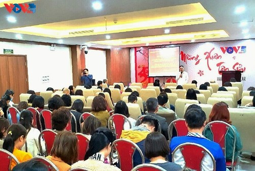 VOVWorld co-hosts talks on 13th National Party Congress Resolution  - ảnh 1