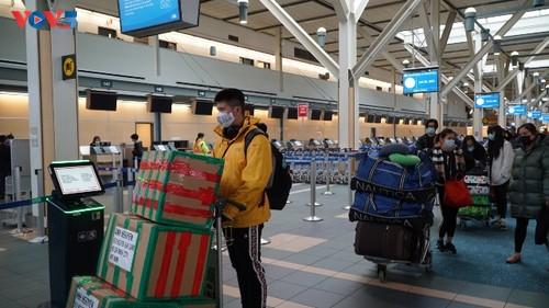 Đưa công dân Việt Nam từ Canada và Hàn Quốc về nước. - ảnh 1