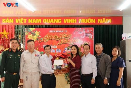 Đại sứ quán Việt Nam tại Lào thăm, chúc Tết cán bộ chiến sĩ Binh đoàn 11 đang thi công Nhà Quốc hội Lào - ảnh 1