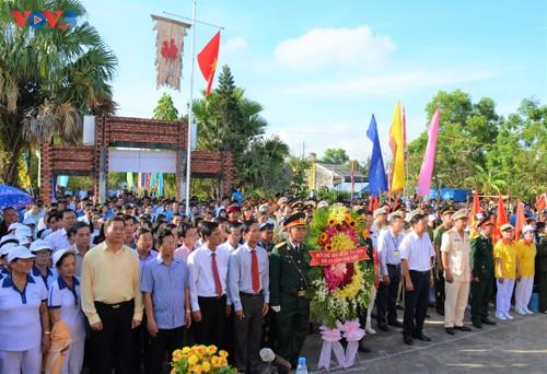 Lễ dâng hương tưởng niệm các Vua Hùng tại các địa phương trong cả nước - ảnh 9