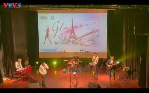 Glamour, un voyage incontournable dans les chansons françaises - ảnh 2