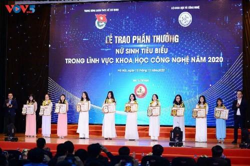 10 tài năng trẻ xuất sắc nhận Giải thưởng Quả Cầu Vàng năm 2020 - ảnh 2