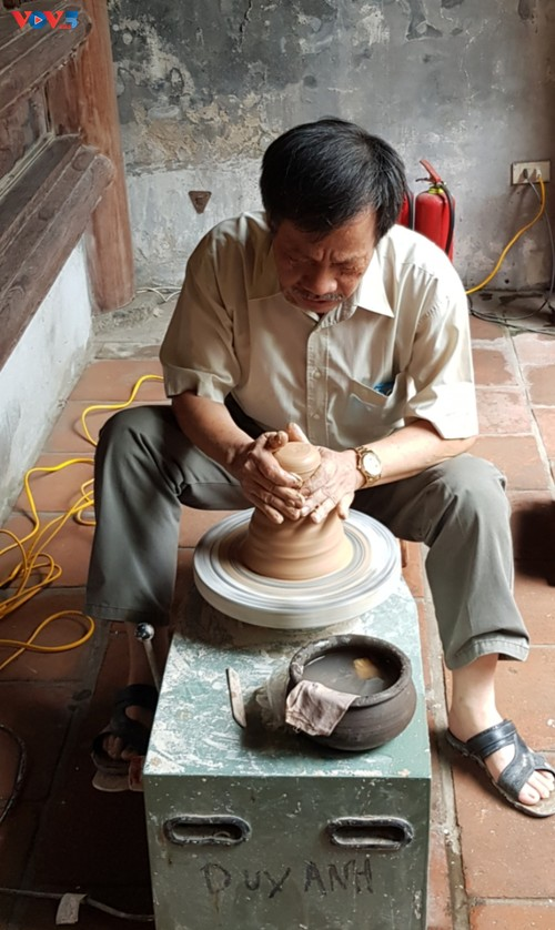 """""""Story of Pottery"""" retells history of traditional craft - ảnh 2"""