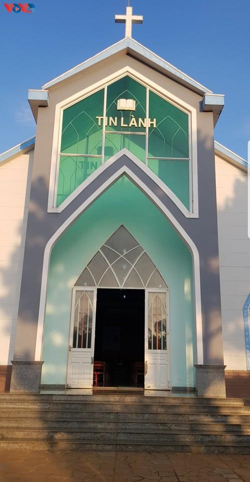 Plei Mo Nu Protestant church in Pleiku city - ảnh 2