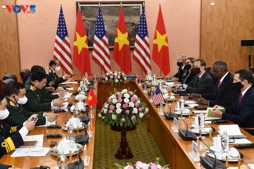 Secretario de Defensa de Estados Unidos visita a Vietnam - ảnh 1