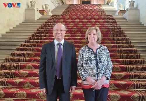 Le groupe d'amitié France-Vietnam au Sénat français s'engage à soutenir le Vietnam - ảnh 1