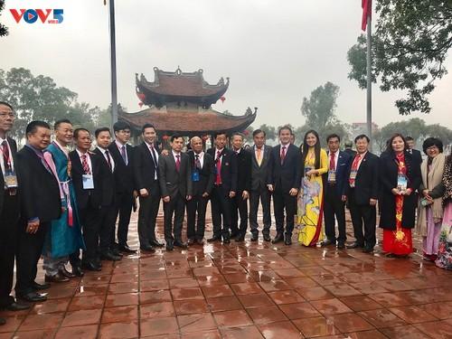 Đoàn kiều bào tiêu biểu thăm lăng Bác và khu di tích đền Đô, Bắc Ninh - ảnh 3