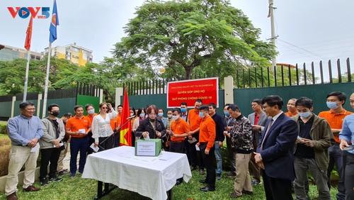 Cộng đồng người Việt Nam tại Mozambique quyên góp ủng hộ Quỹ phòng chống COVID-19  - ảnh 6