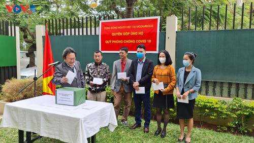 Cộng đồng người Việt Nam tại Mozambique quyên góp ủng hộ Quỹ phòng chống COVID-19  - ảnh 7