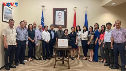 Tổng Lãnh sự quán Việt Nam tại Texas phát động ủng hộ Quỹ vắc xin phòng chống Covid 19  - ảnh 3