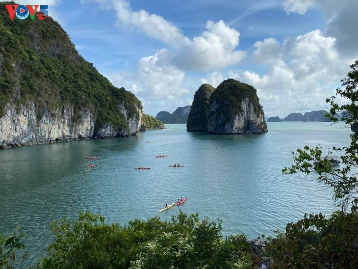 Teluk Ha Long lolos masuk ke Besar 50 Keajaiban  yang paling indah  di dunia - ảnh 5